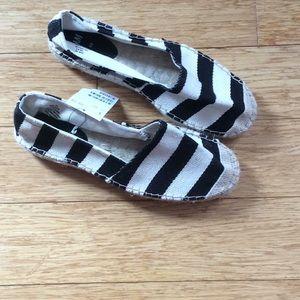 H&M Black & Cream Striped Espadrilles Shoes NWT!